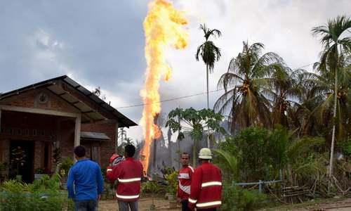 انڈونیشیا: تیل کے کنویں میں آگ لگنے سے 18 افراد ہلاک