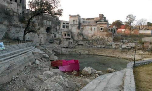 Katas Raj case: Water worth billions used by cement factories around temple for free, SC notes