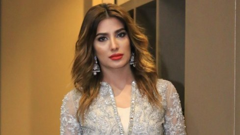 "Mehwish Hayat says she's ""not your kind of girl"" in upcoming film Load Wedding"