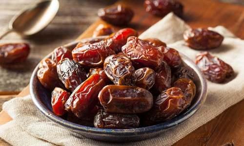 گرم موسم میں کھجور کھانا نقصان دہ تو نہیں؟
