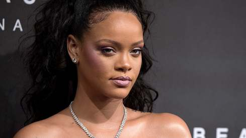 Burglar breaks into Rihanna's house, spends the night