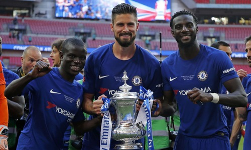 'I'll never change,' FA Cup winner Conte warns Chelsea