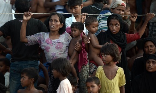 Myanmar asks Rohingya to leave border zone