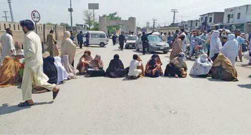 LHVs block road in Khyber to seek salary