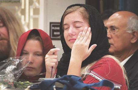 Hundreds gather in Texas to pray for Sabika Sheikh