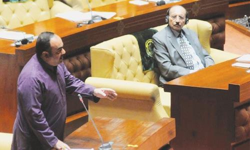 Sindh Assembly opposition leader Khwaja Izhar slams 'copy & paste' budget