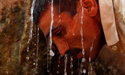 کراچی کی عوام گرمی سے پریشان