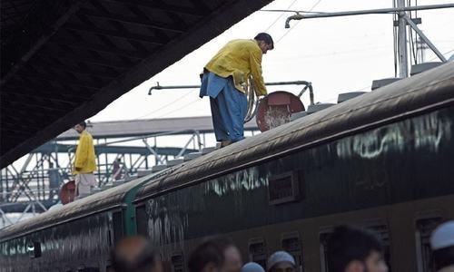 Trains' crash disrupts traffic for three hours