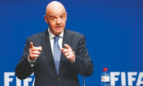 Legends take to the pitch with FIFA president Infantino
