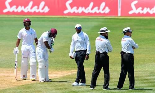 بال ٹیمپرنگ کا الزام، سری لنکن ٹیم کا میدان میں آنے سے انکار