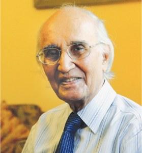 Eminent humorist Yousufi passes away