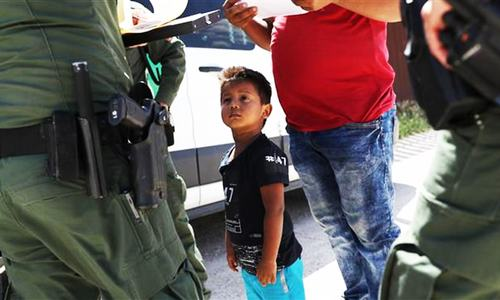 In dramatic turnaround, Trump orders end to family separations