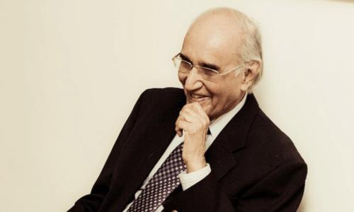 مشتاق احمد یوسفی: اردو ادب کا عہدِ جاریہ