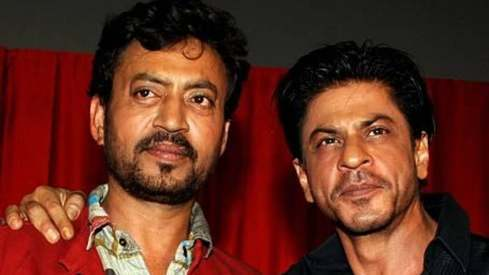 SRK proves to Irrfan Khan that a friend in need is a friend indeed