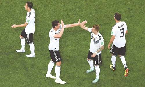 Late goal against Sweden keeps Germany's hopes alive