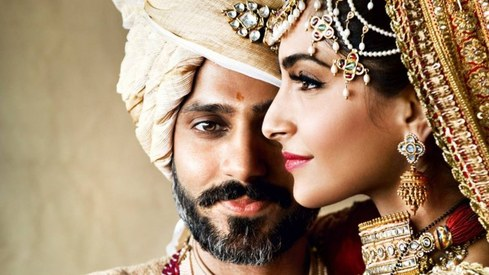 Sonam Kapoor opens up about how she and hubby Anand Ahuja fell in love