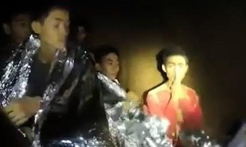 تھائی لینڈ کے غار میں پھنسے بچوں کو ورلڈ کپ فائنل دیکھنے کی دعوت