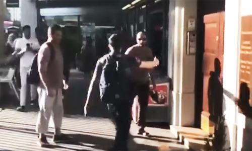 Mob attempts to attack Nawaz near Avenfield flat