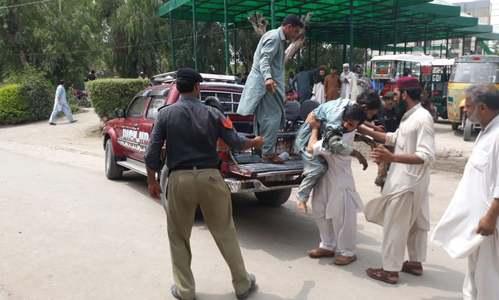 Blast targets convoy of JUI-F leader Akram Khan Durrani in Bannu, 4 killed