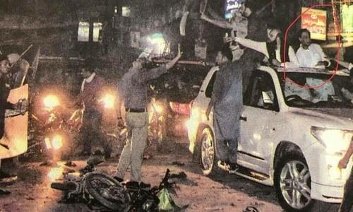 ایاز صادق کی گاڑی پر پولیس کا دھاوا؟