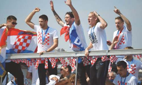 Croatians give warm welcome to football stars
