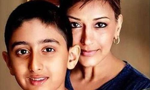 کینسر میں مبتلا سونالی نے بیٹے کو مرض کا کیسے بتایا؟