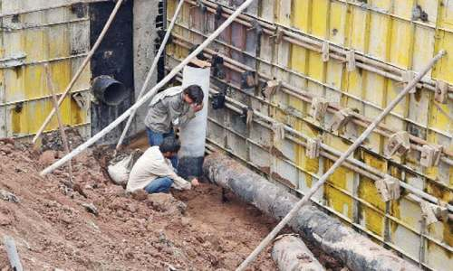 BRT workers damage gas pipelines