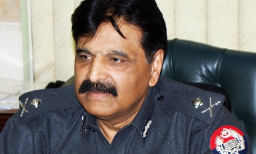Sindh IG orders 2 DSPs to seek early retirement, dismisses another over 'inefficiency'