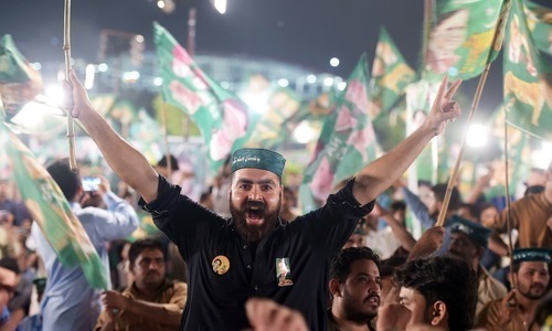 PTI, PML-N running neck-and-neck, election result may boil down to undecided voters: poll