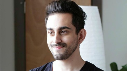 It is cool to vote, says singer Bilal Khan as he flies to Lahore for the elections