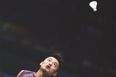 Axelsen, Lin Dan dominate worlds openers