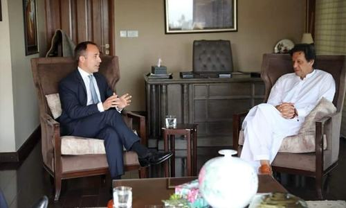 British high commissioner meets Imran Khan, congratulates him over election victory