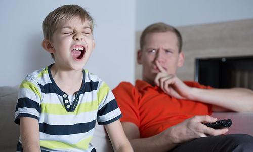 والدین اور بچے روزانہ کتنا وقت 'بحث' کرنے میں گزار دیتے ہیں؟