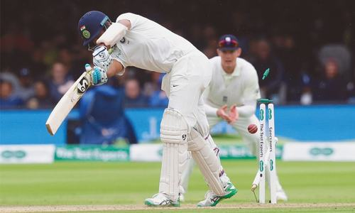 England swing kings rout India at Lord's