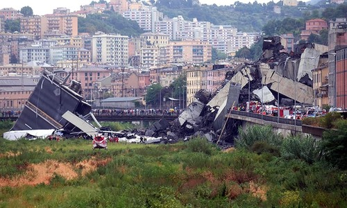 30 dead in Italy motorway bridge collapse 'tragedy'