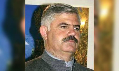 وزیرِ اعلیٰ خیبرپختونخوا محمود خان کون ہیں؟
