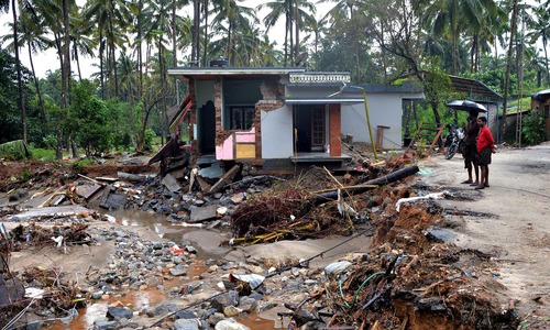 Thousands await rescue as deadly south Indian floods take 190 lives in India's Kerala state