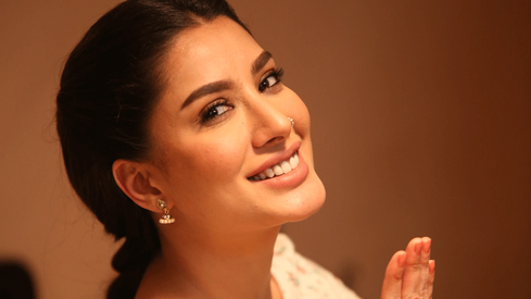 It wasn't easy to play the role of 'a dehati girl' in Load Wedding, says Mehwish Hayat