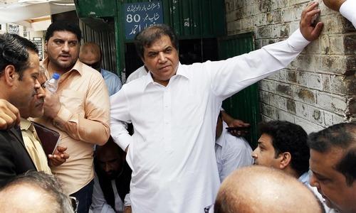 حنیف عباسی کی طبیعت بگڑگئی،اسپتال منتقل