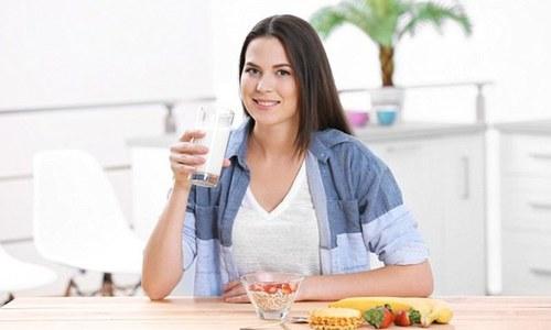 ناشتے میں ایک گلاس دودھ ذیابیطس اور موٹاپے سے بچائے