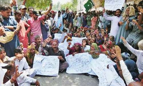 Hindus protest encroachment of cremation site
