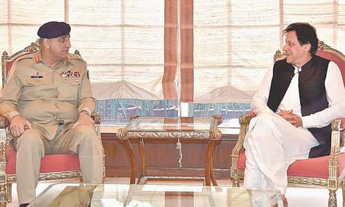 Bajwa, Imran vow to work closely for peace