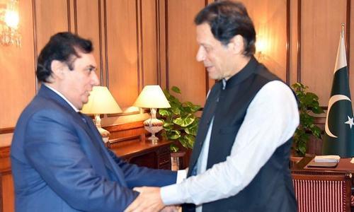 NAB chairman calls on PM; Khan 'satisfied' with bureau's performance