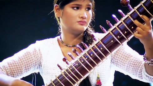 Young sitar performer from Hyderabad wins the grand 'Funkaar-e-Aala' title