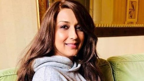 Sonali Bendre shares new look amid cancer treatment, thanks Priyanka Chopra for it