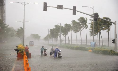 Several dead in Philippines as typhoon heads towards Hong Kong