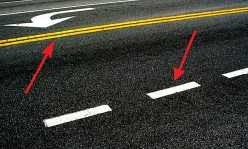 سڑک پر سفید یا زرد لکیروں کی موجودگی کی دلچسپ وجہ جانتے ہیں؟