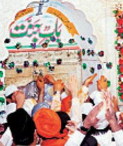 36 injured in stampede at Baba Farid shrine