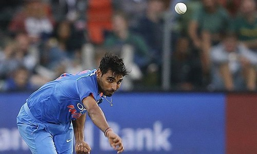 Kumar strikes twice as Pakistan wobble early — ICC
