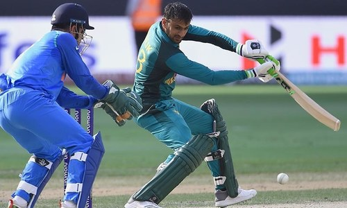 Pak vs India: India run Malik out, tighten grip on match